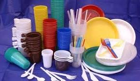 العلماء يكشفون علاقة لبدانة الأطفال بالأواني البلاستيكية