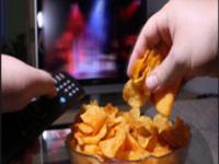 دراسة : مشاهدة التلفاز أثناء الأكل تفقد الجسم القدرة ع الشعور بالشبع