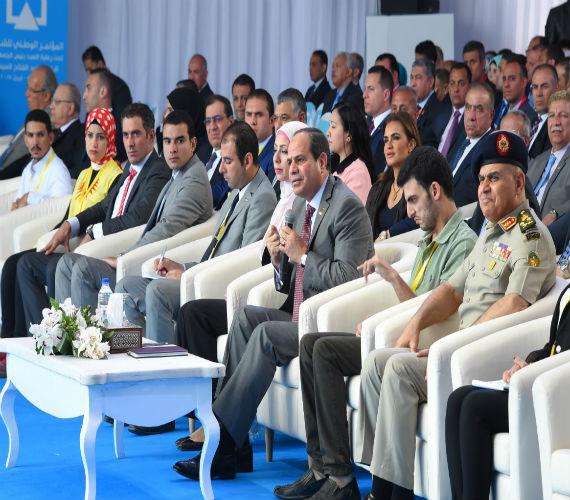 Photo of السيسي : مشروع تنمية محور قناة السويس يمثل مستقبل مصر