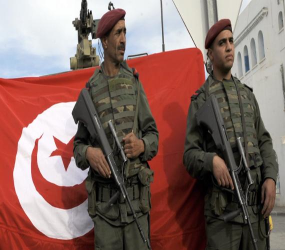 Photo of الأمن التونسي يشتبك مع متشددين وأحدهم يفجر نفسه بسيدي بوزيد