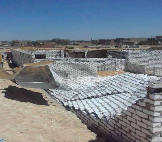 Photo of إزالة 29 حالة تعدى على الأرض الزراعية بـ 5 قرى بمدينة المنيا