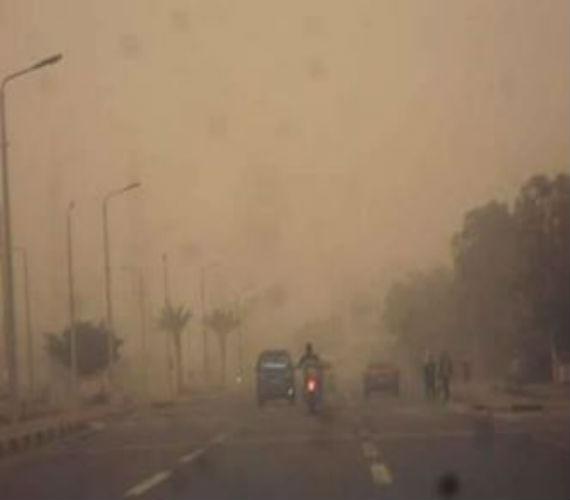 Photo of مرور الأقصر يحذر السائقين ويغلق طريق قنا الصحراوي الغربي  عقب عاصفة ترابية
