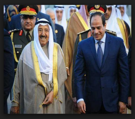 Photo of الشيخ صباح الأحمد يستقبل السيسي بالمطار