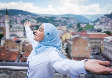 فتاه متفائلة ، موقع أوراق عربية - حبي نفسك