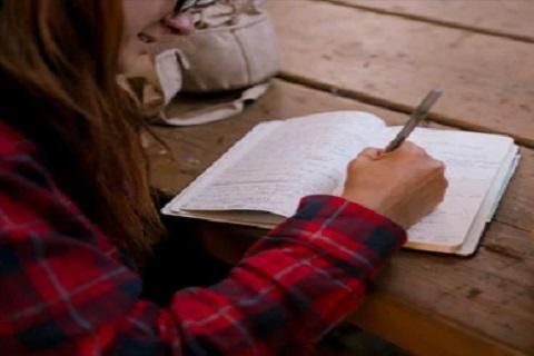 فتاه تكتب ، موقع أوراق عربية - خواطر