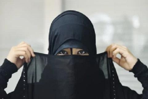 فتاه منتقبة. ، موقع أوراق عربية - قصائد فصحي