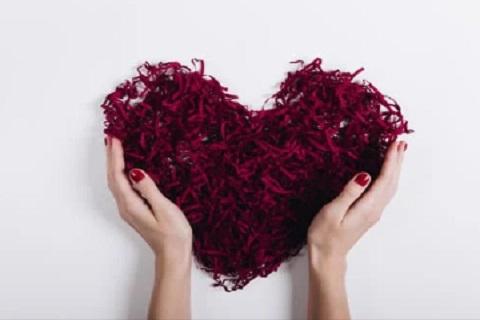 قلب أحمر ، موقع أوراق عربية - خواطر