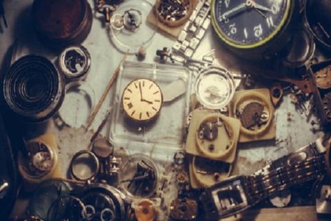 ساعات قديمة ، موقع أوراق عربية - قصائد عامية