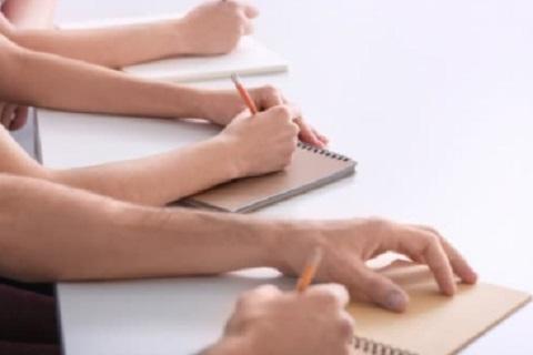 كتابة ، موقع أوراق عربية - مقال